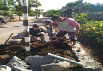 Pemasangan Sreet Box di Wilayah Kradenan