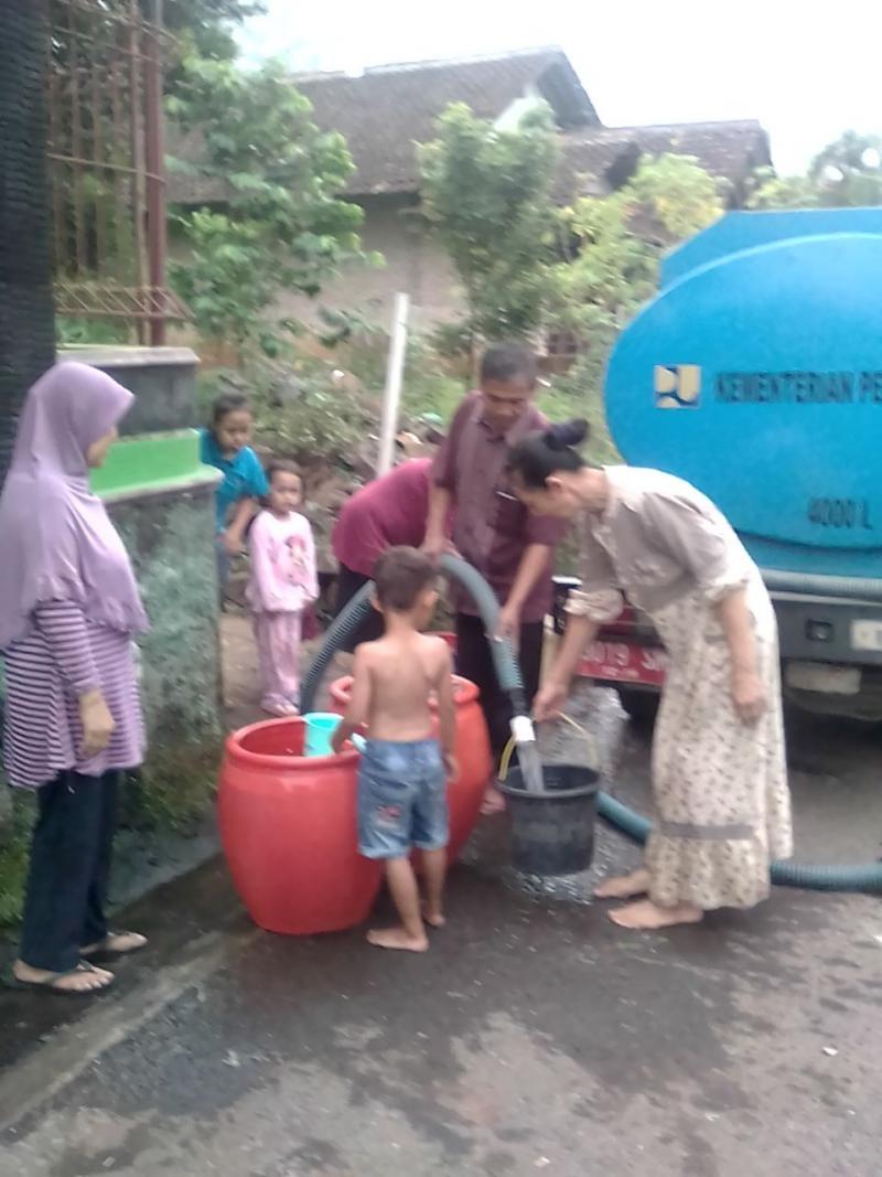 Bantuan air di Dusun Topo Beringin