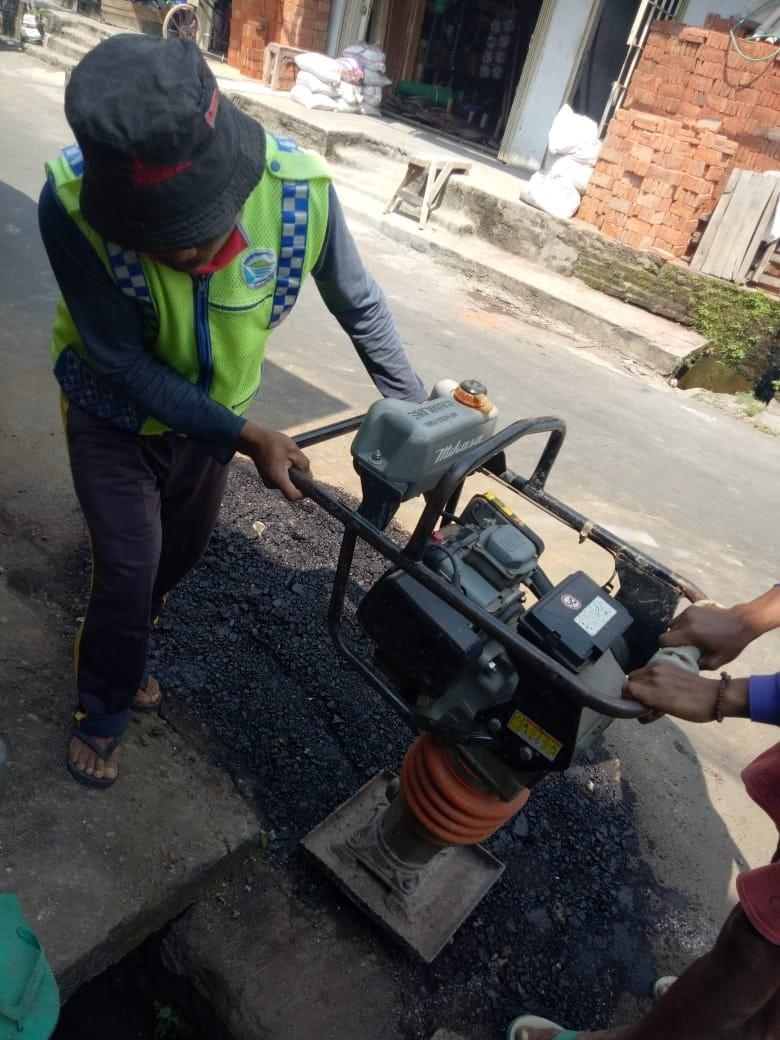"""Penyempurnaan Jaringan Pipa Distribusi 3"""" Gip di Jl. Terbayaan Utara, Ungaran"""