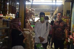 PDAM Kab Semarang bersama Komisi B DPRD Kab. Semarang Bagikan Masker di Pasar Karangjati