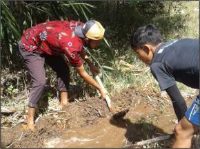 """Perbaikan kebocoran pipa 4"""" di Kedesen Kaliwungu"""